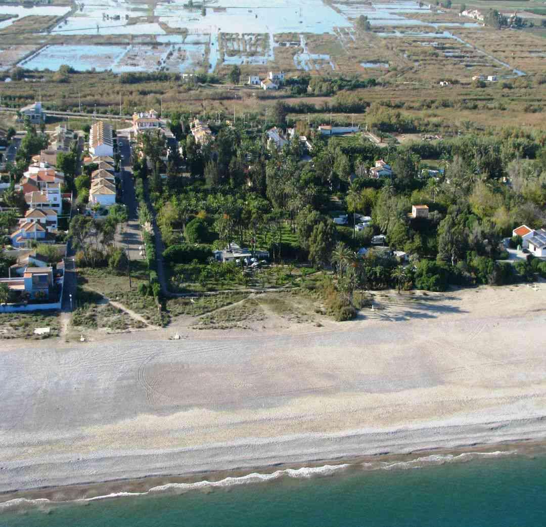 Playa malvarrosa en sagunto sagunt informaci n mapa y for Oficina turismo sagunto